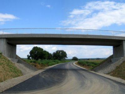Brücke über die L 113 bei Riegel